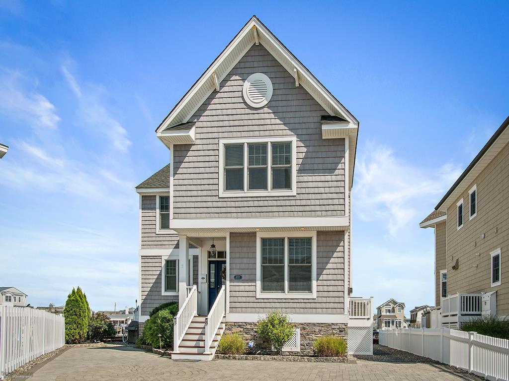 8522 Sunset Drive, Stone Harbor (Bayfront)