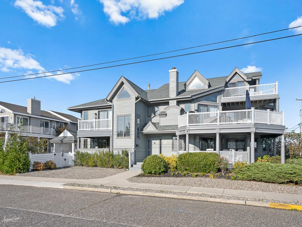 3778 First Avenue, Avalon (Beach Front) - Picture 1