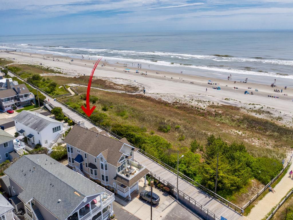 65 E 28th Street North, Avalon (Beach Front) - Picture 1