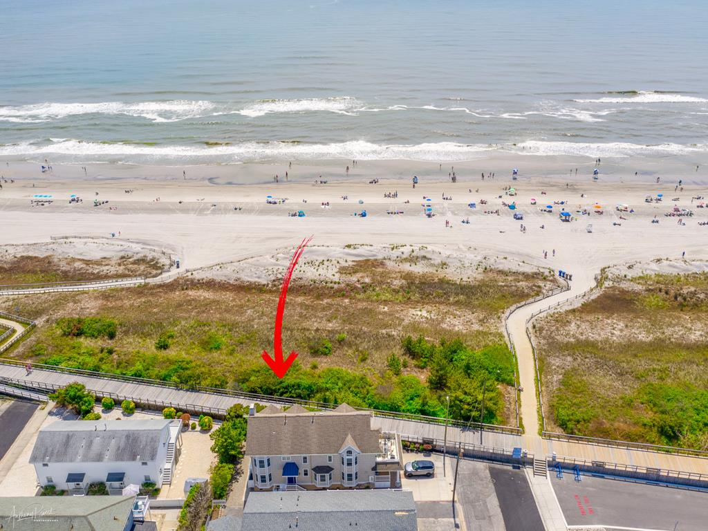 65 E 28th Street North, Avalon (Beach Front) - Picture 18