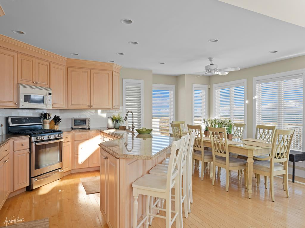 4 88th Street, Stone Harbor (Beach Front) - Picture 12