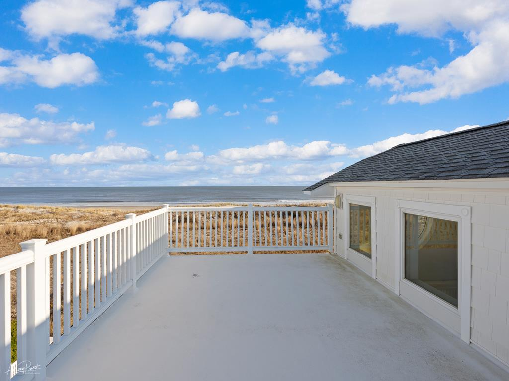 4 88th Street, Stone Harbor (Beach Front) - Picture 5