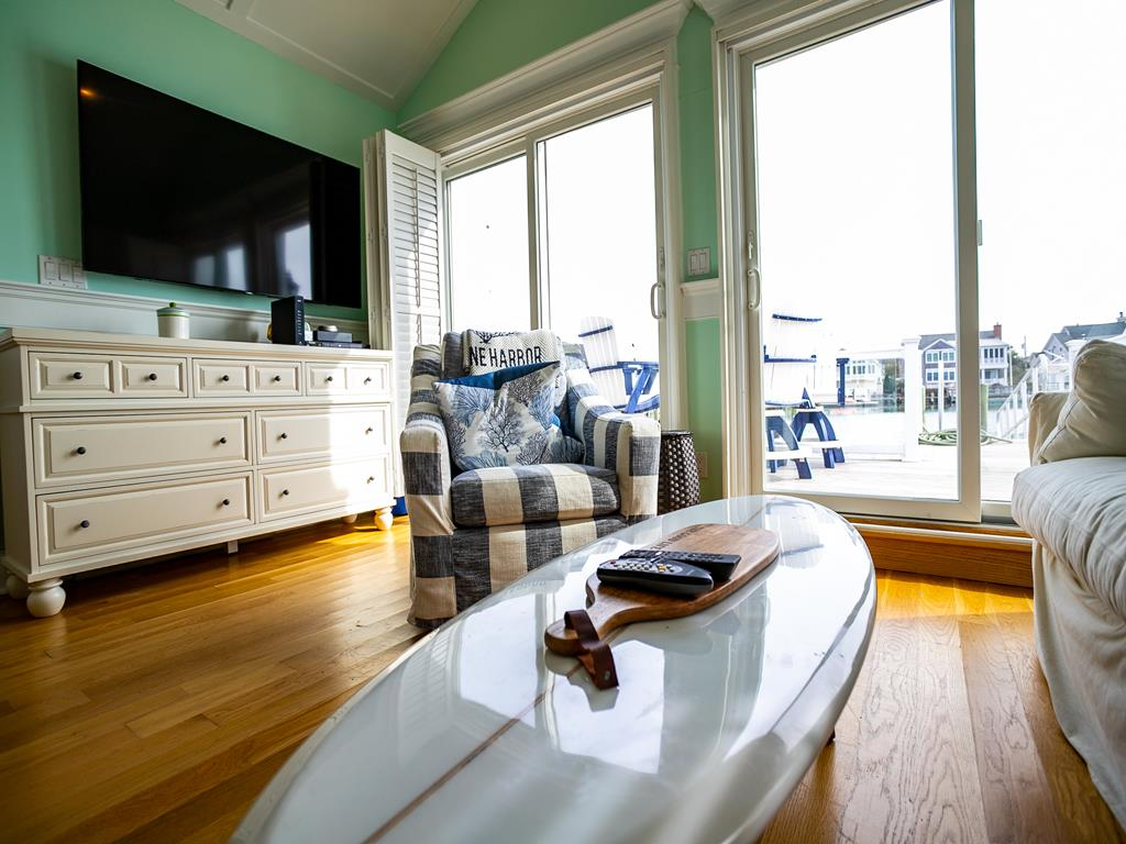 10506 Golden Gate, Stone Harbor (Bay Front) - Picture 5
