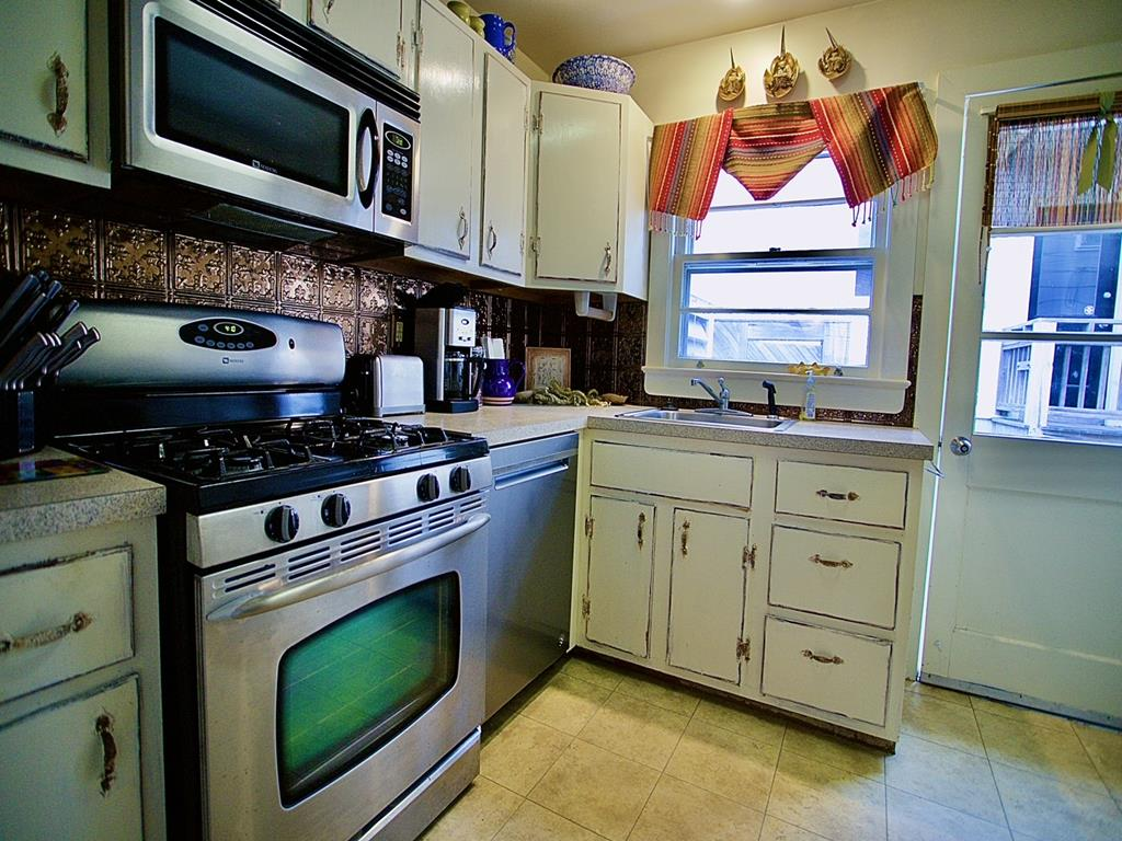 10023 Sunset Drive, Stone Harbor (Bay Front) - Picture 7