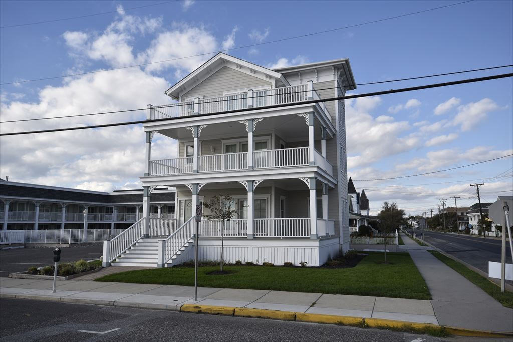 211 Beach Avenue 1st Floor, Cape May - Picture 1