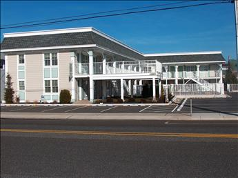 211 Beach Avenue, Cape May - Picture 1