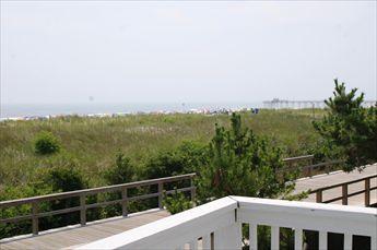 64 E 27th Street, Avalon (Beach Front)