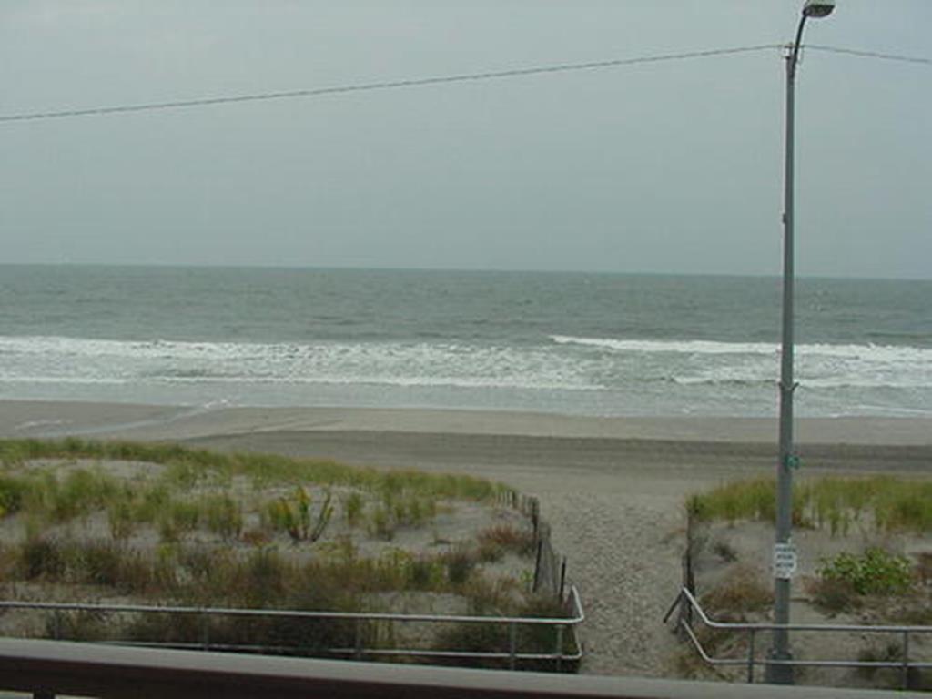 3901 Pleasure Avenue, Sea Isle City (Beach Front) - Picture 10