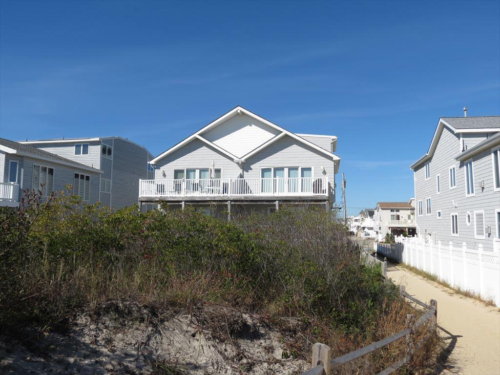 6801 Pleasure Avenue, Sea Isle City (Beach Front) - Picture 1