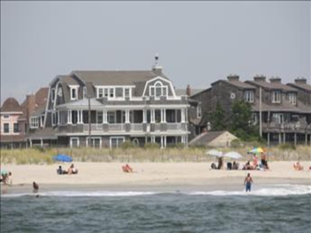 1607 Beach Avenue, Cape May - Picture 1