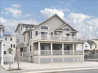 2613 Ocean Drive, Avalon (Center)