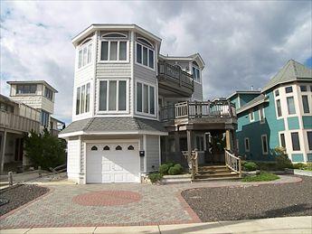 848 Avalon Avenue, Avalon (Mid-Island)