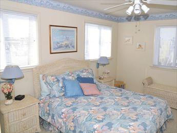 1607 Ocean Drive, Avalon (Mid-Island)