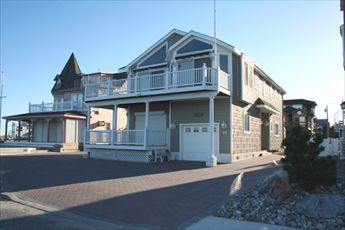66 West 7th Street, Avalon (Beach Front)