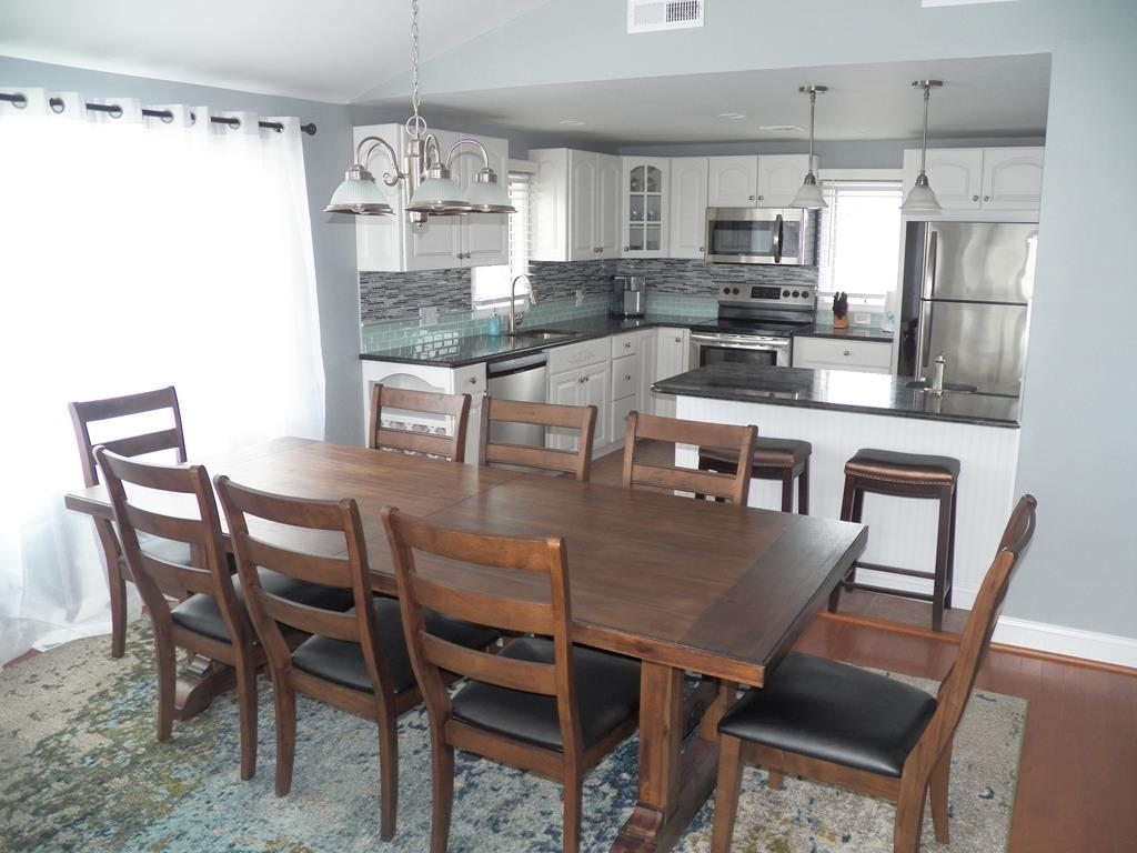 9 84th Street, Sea Isle City (Beach Front) - Picture 8