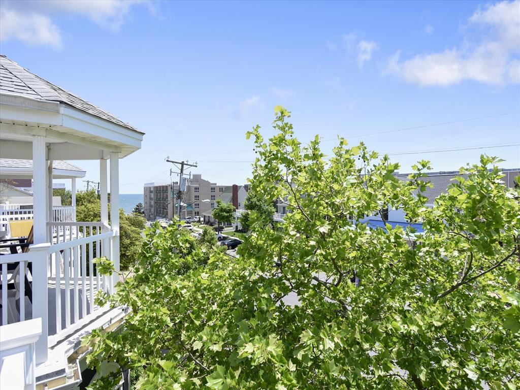 Strange 15C Maryland Avenue Rehoboth Beach Vacation Rental Home Interior And Landscaping Ponolsignezvosmurscom
