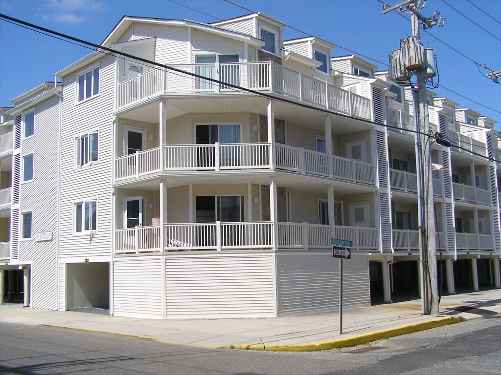4400 Pleasure Avenue, Sea Isle City (Beach Block)