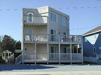 842 First Avenue, Avalon (Mid-Island)