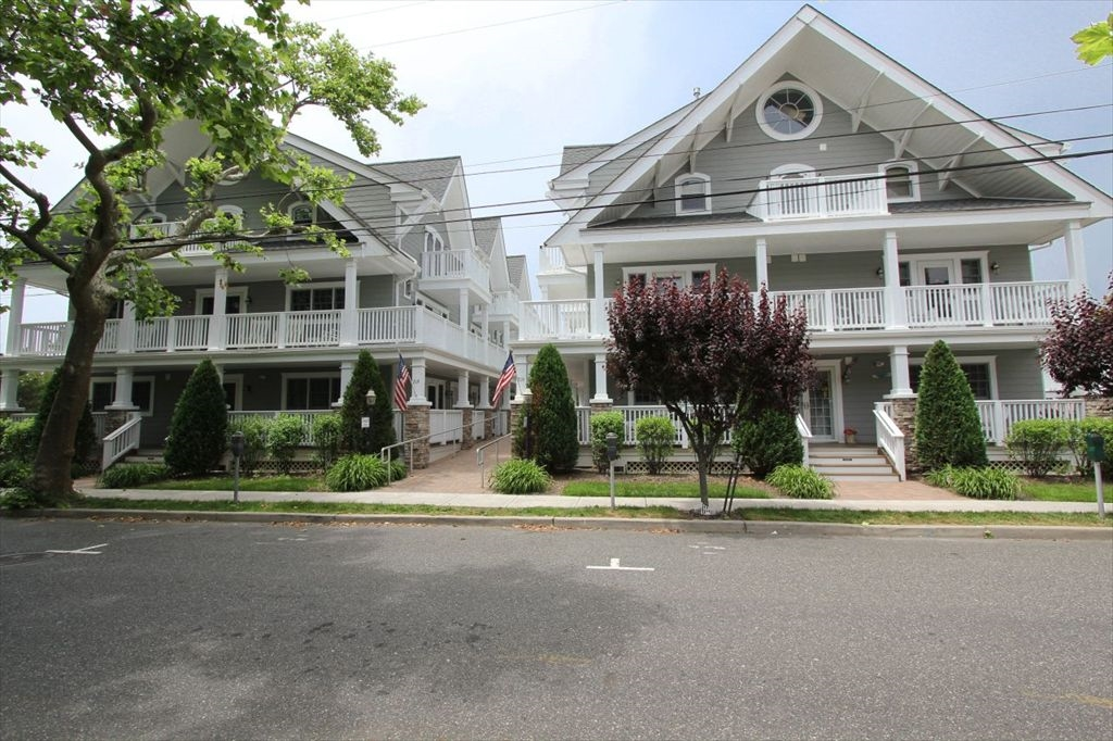219 S Lafayette St, Cape May (Cape May) - Picture 1