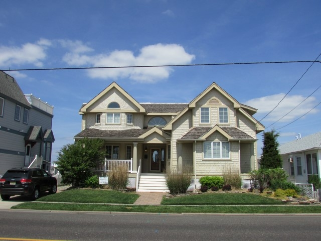 9023 Third Avenue, Stone Harbor (Bayfront)