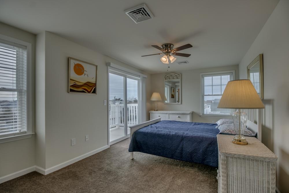 3986 Ocean Drive, Avalon (Center)