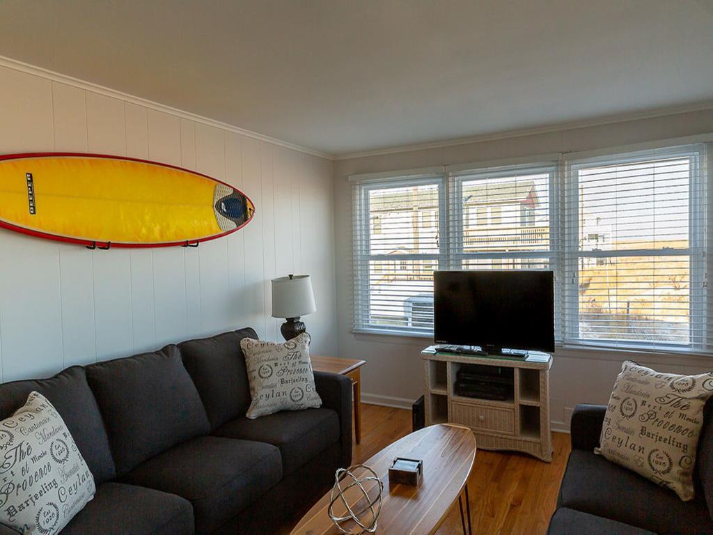 110 E Hobart Avenue, 1st, Beach Haven Crest (Ocean Front) - Picture 20