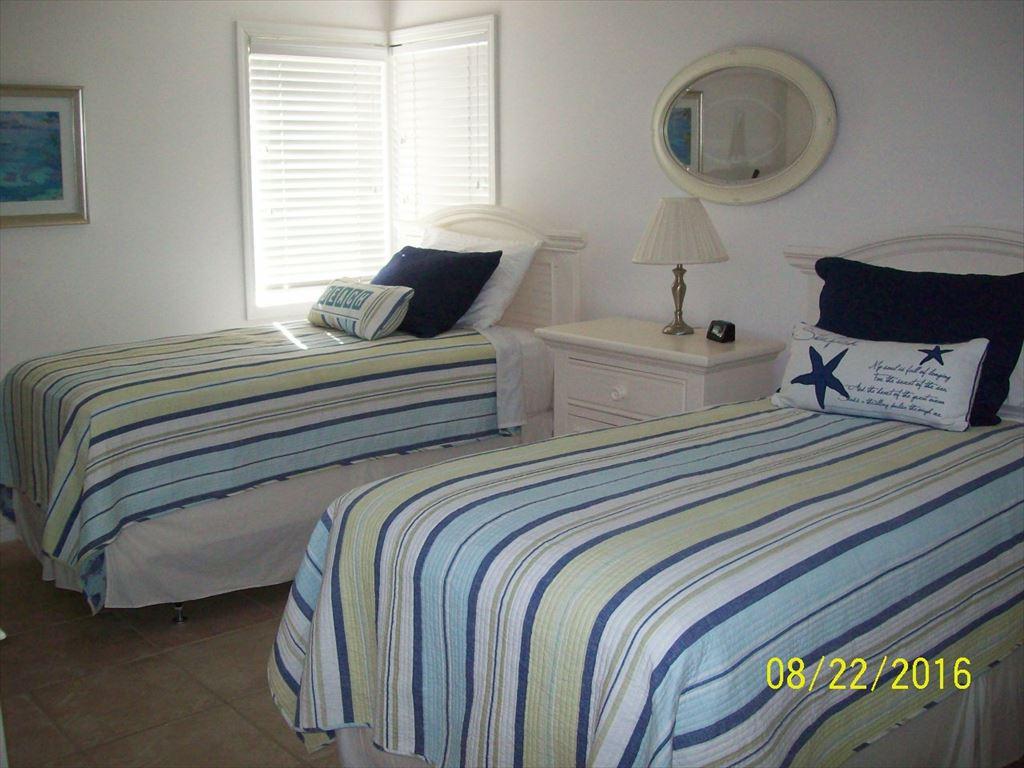 210 11th Avenue N, Jacksonville Beach, FL  32233 | Photo 6
