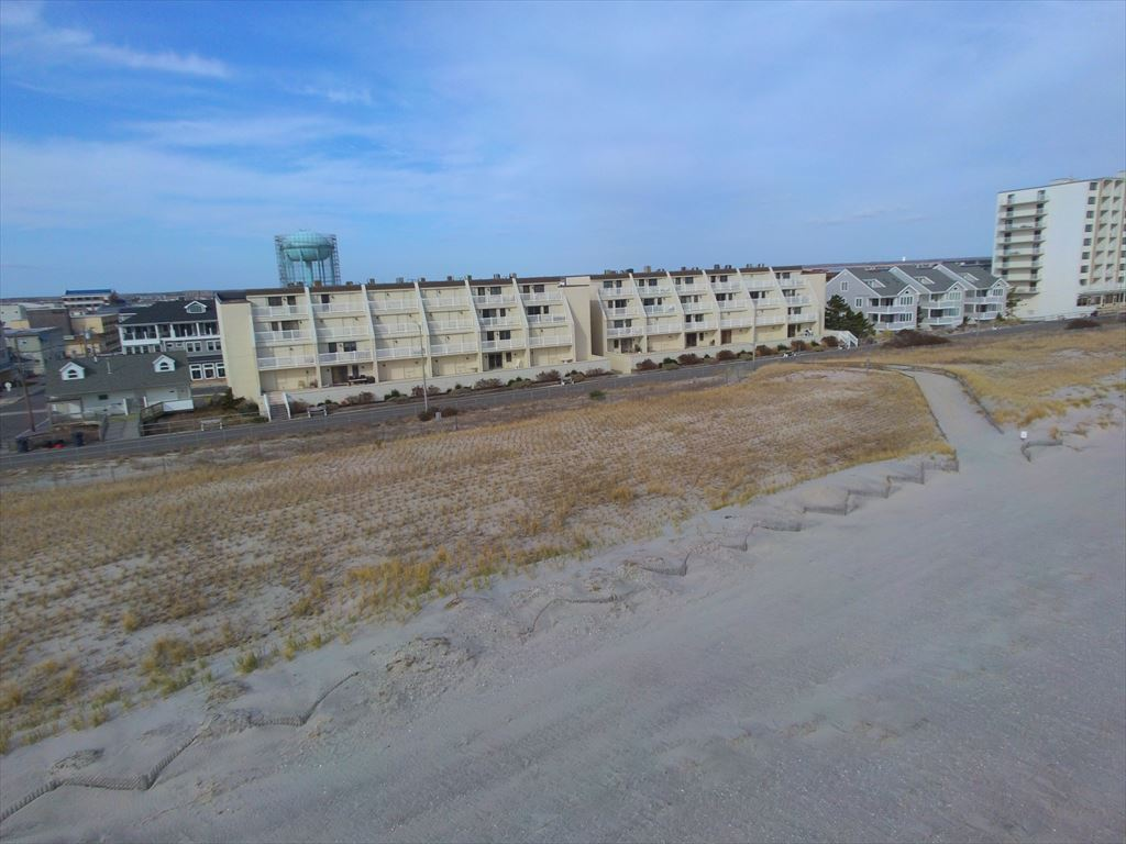 3901 Pleasure Avenue, Sea Isle City (Beach Front)