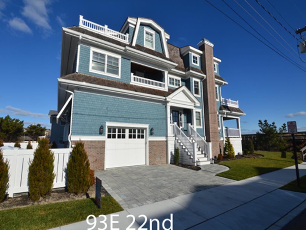 93 East 22nd Street, Avalon (Beach Front)