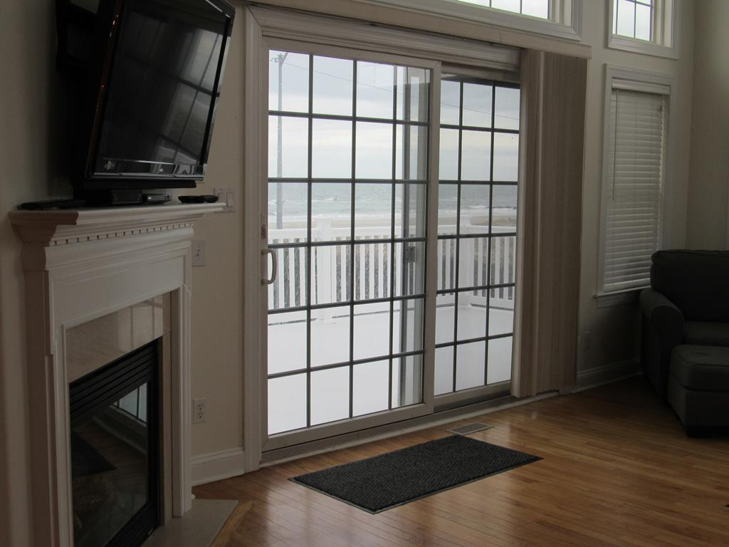 18 33rd Street, Sea Isle City (Beach Front) - Picture 11