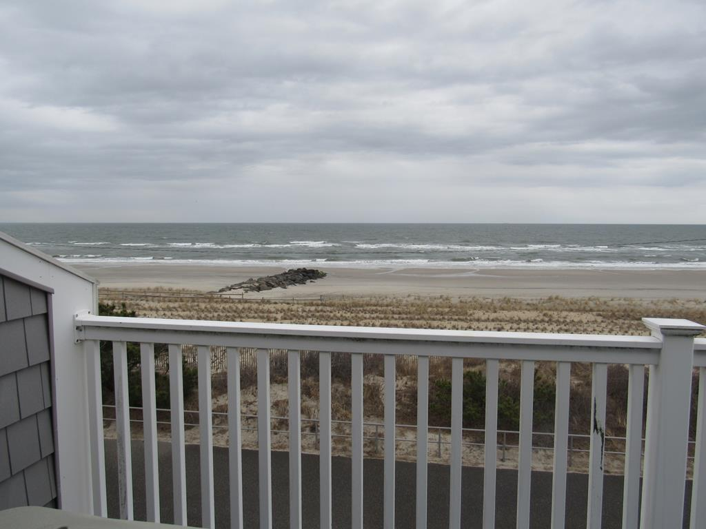 18 33rd Street, Sea Isle City (Beach Front) - Picture 16