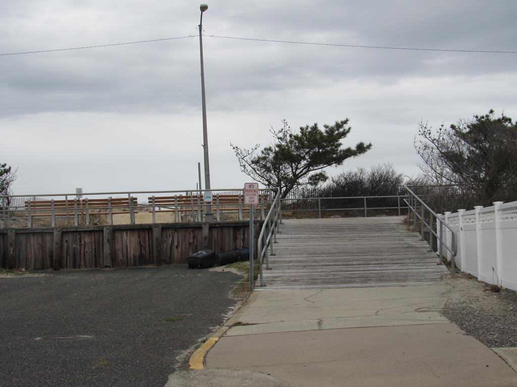 18 33rd Street, Sea Isle City (Beach Front) - Picture 20