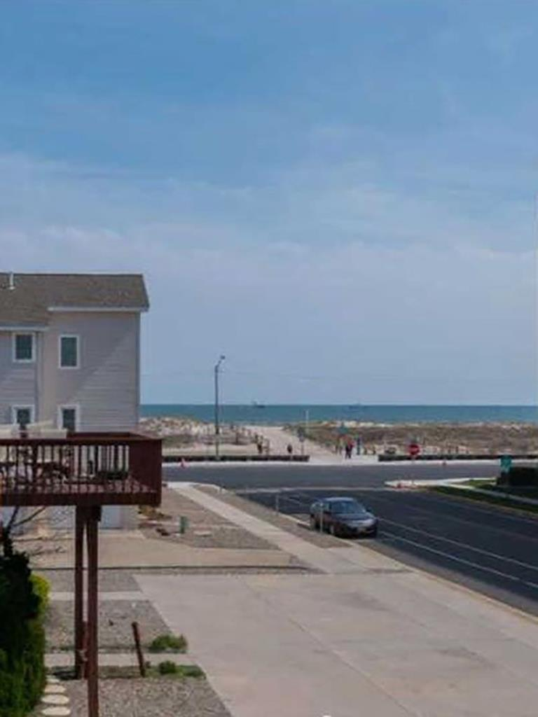 517 E 5th Avenue, North Wildwood (North Wildwood Beach Side)