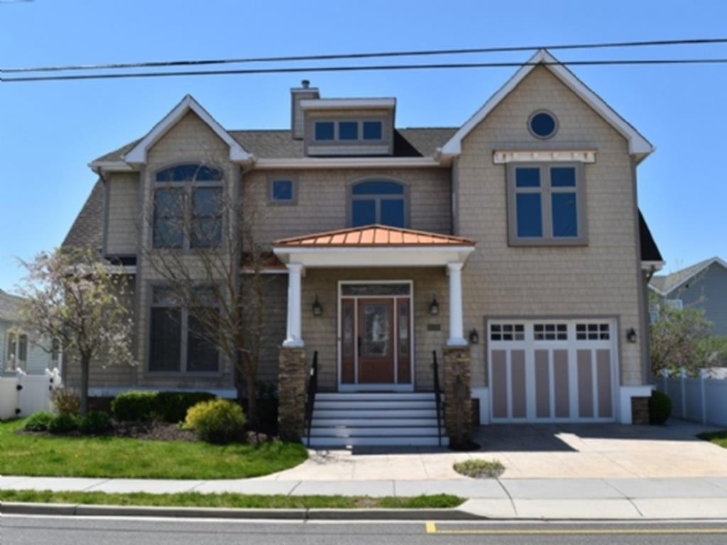 210 E Fern Road, Wildwood Crest (Wildwood Crest Beach Side)
