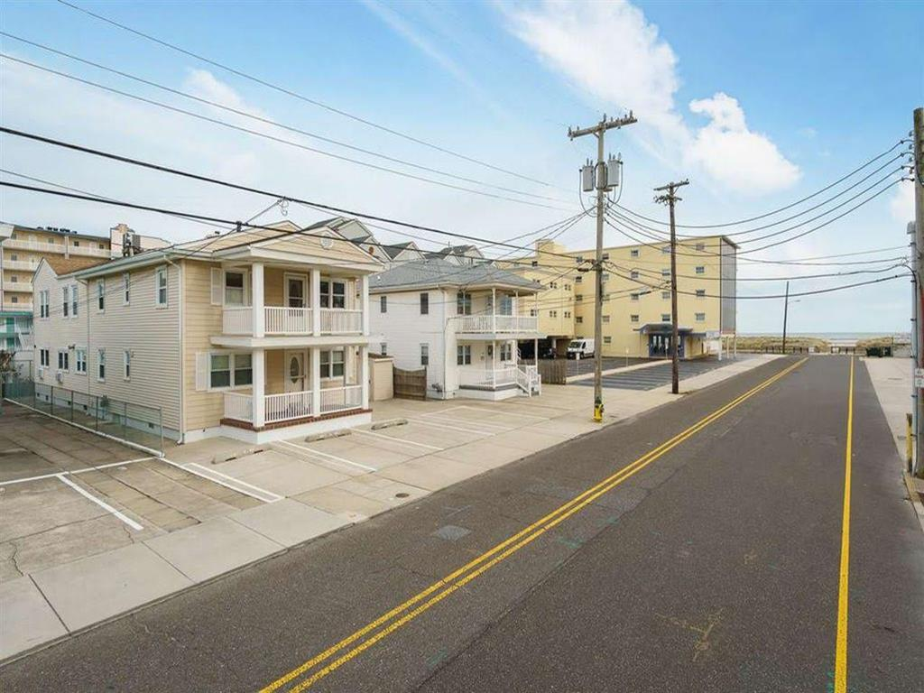 419 E Miami Avenue, Wildwood Crest (Wildwood Crest Beach Side)