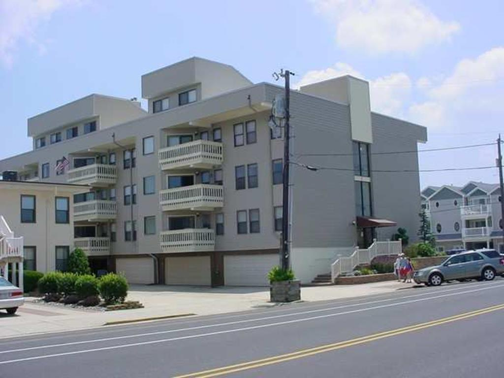 215 Surf Avenue, North Wildwood (North Wildwood Beach Side)