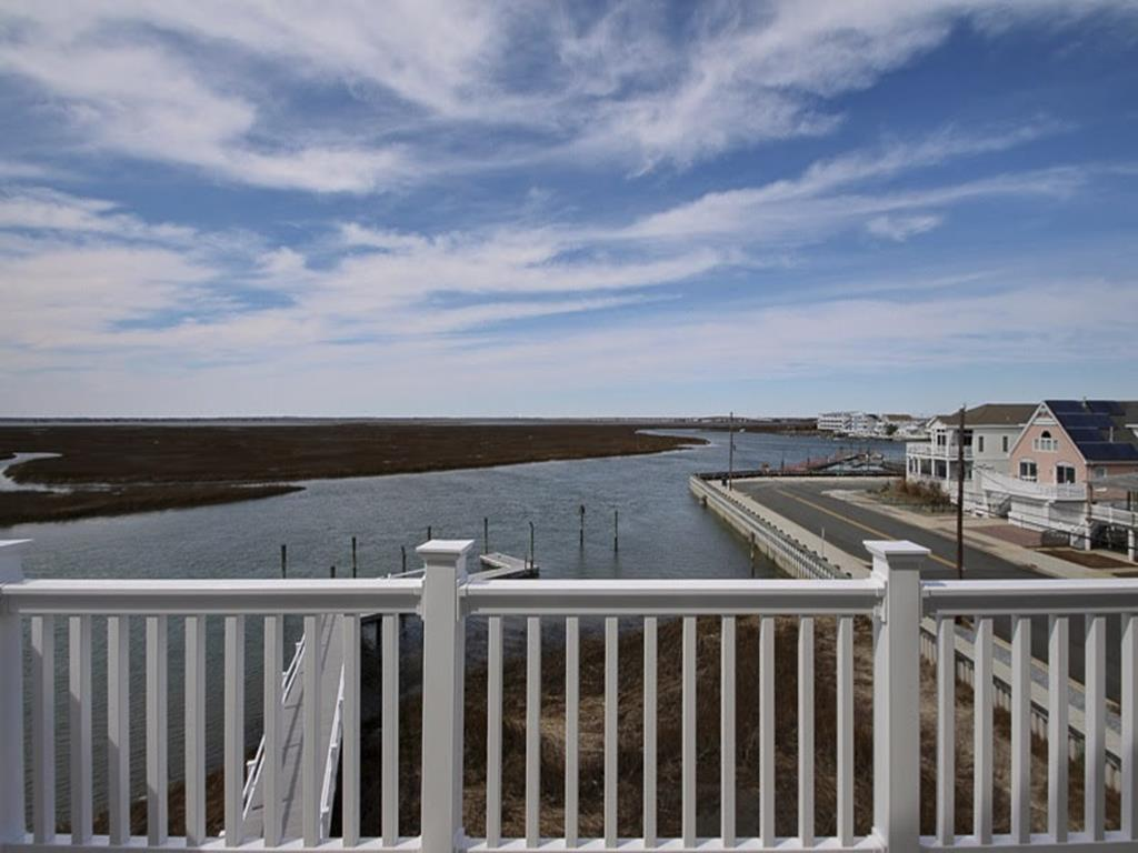 320 W Chestnut Avenue, North Wildwood (Bay Front)