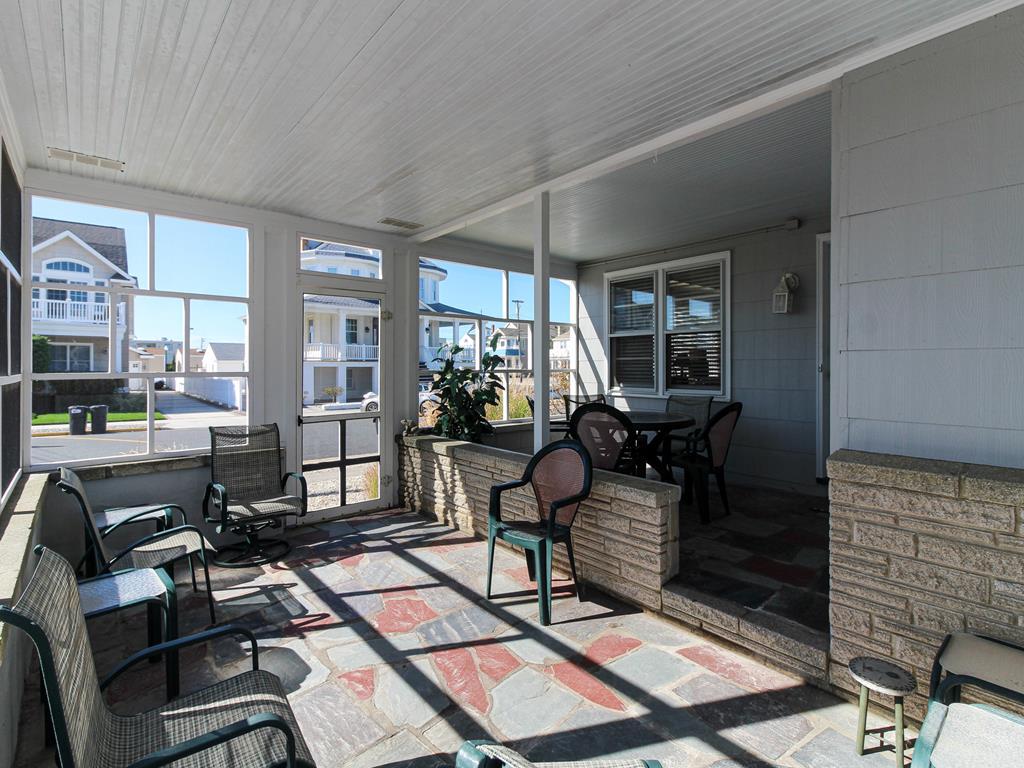 20 94th Street, Stone Harbor (Beach Block) - Picture 4