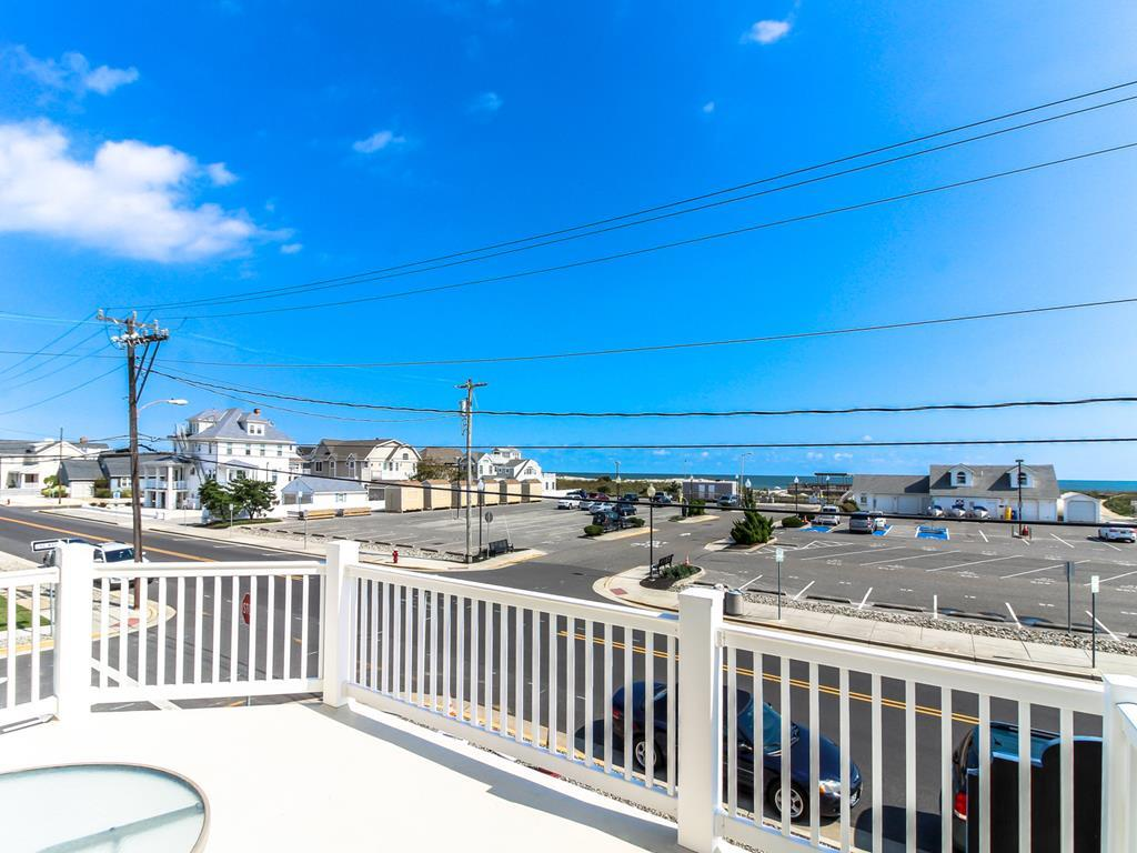 9501 First Avenue, Stone Harbor (Island) - Picture 4
