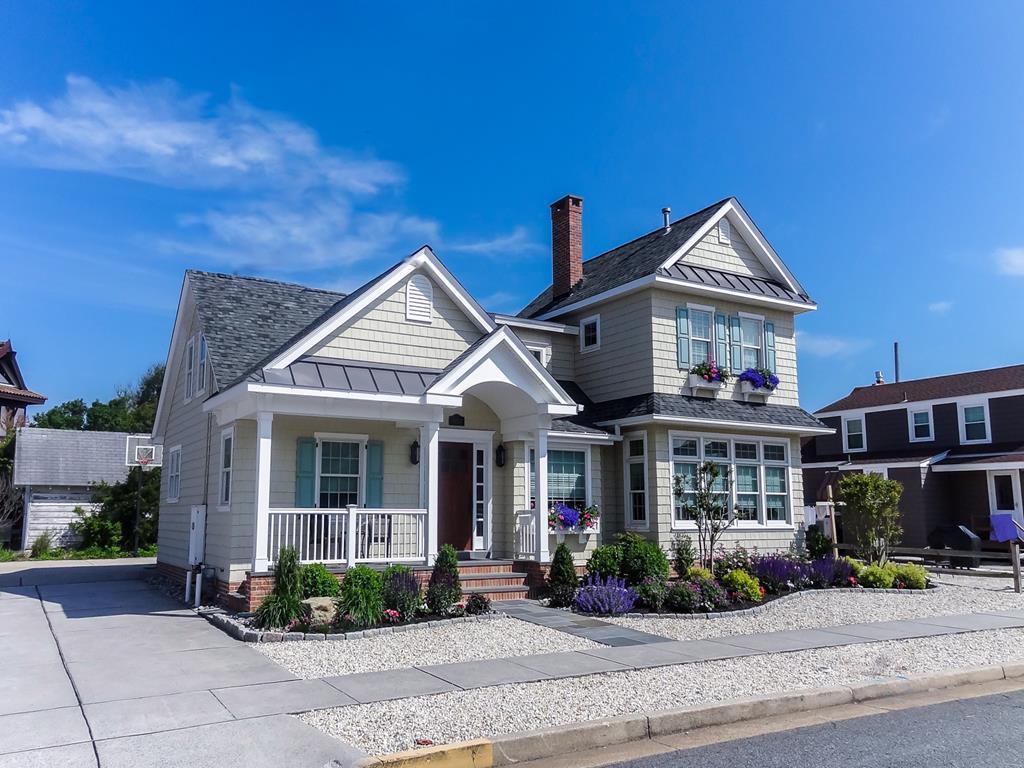 8412 First Avenue, Stone Harbor (Beach Block) - Picture 1