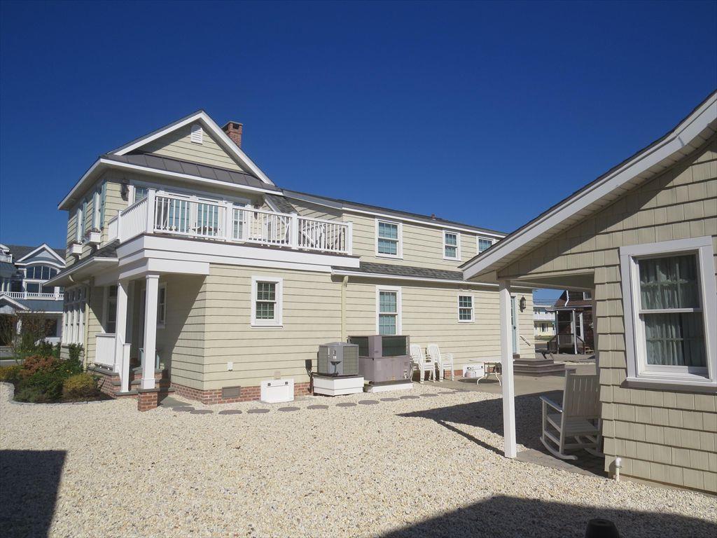 8412 First Avenue, Stone Harbor (Beach Block) - Picture 3