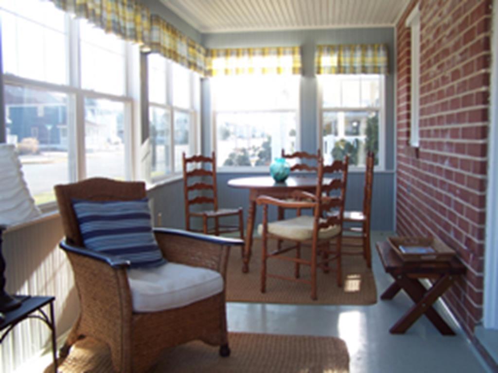 10517 First Avenue, Stone Harbor (Island) - Picture 3