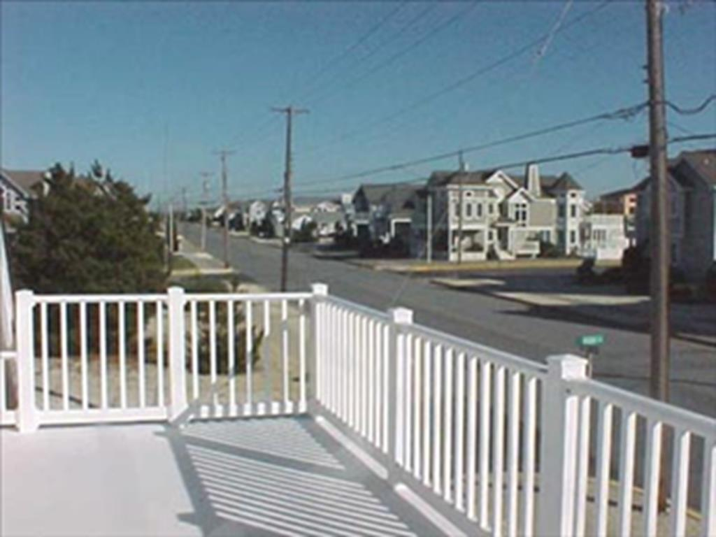 10517 First Avenue, Stone Harbor (Island) - Picture 4
