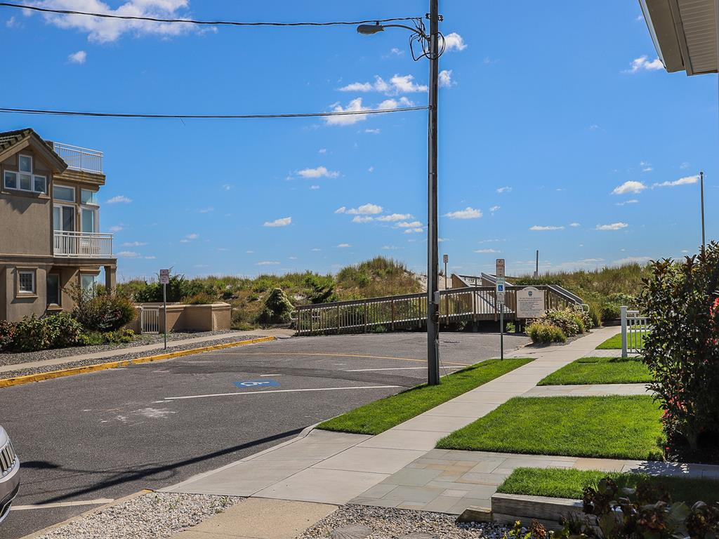 9 103rd Street, Stone Harbor (Beach Block) - Picture 5