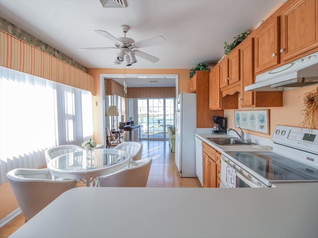 9411 Sunset Drive, Stone Harbor (Bay Front) - Picture 4