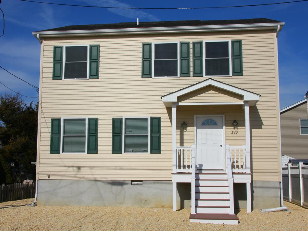 240 Fort  Avenue., Unit Whole - 143415 - Picture 0