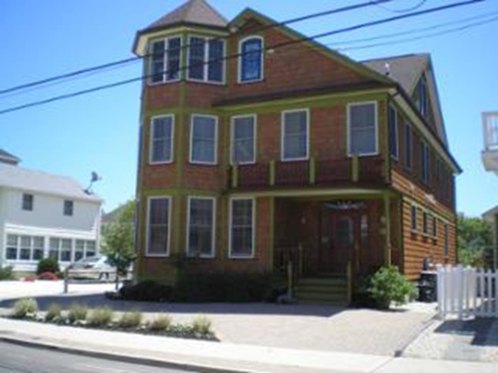 39 4th Avenue, Unit Whole - 143452 - Picture 0